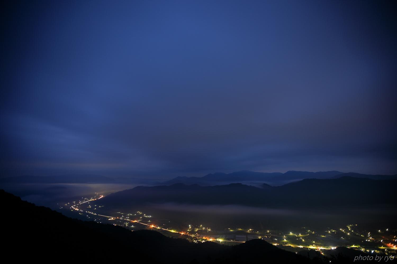 霧の来ない曇り空の朝