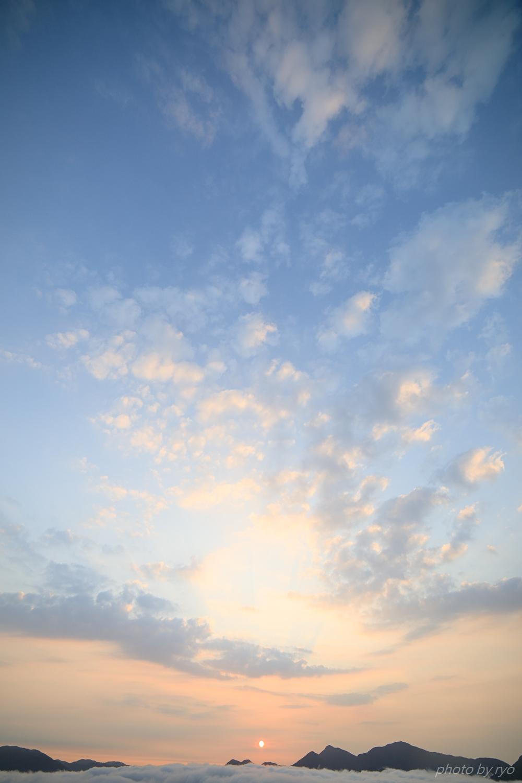 うろこ雲の空へと_3