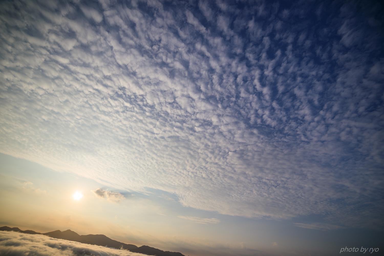 うろこ雲の空へと_6