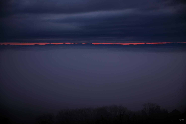 日の出は雲の上から_1