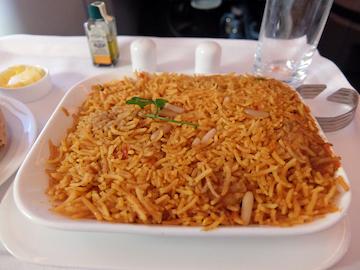 スペイン中東101エミレーツ機内食
