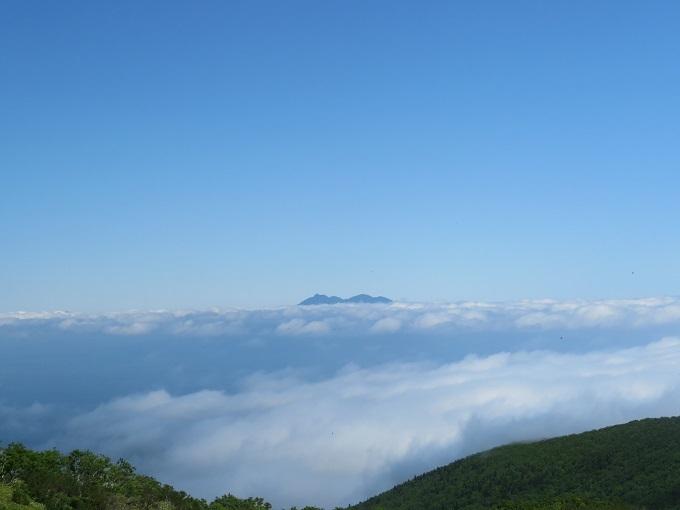 雲海の斜里岳