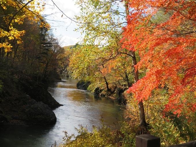 川と渓谷 (2)