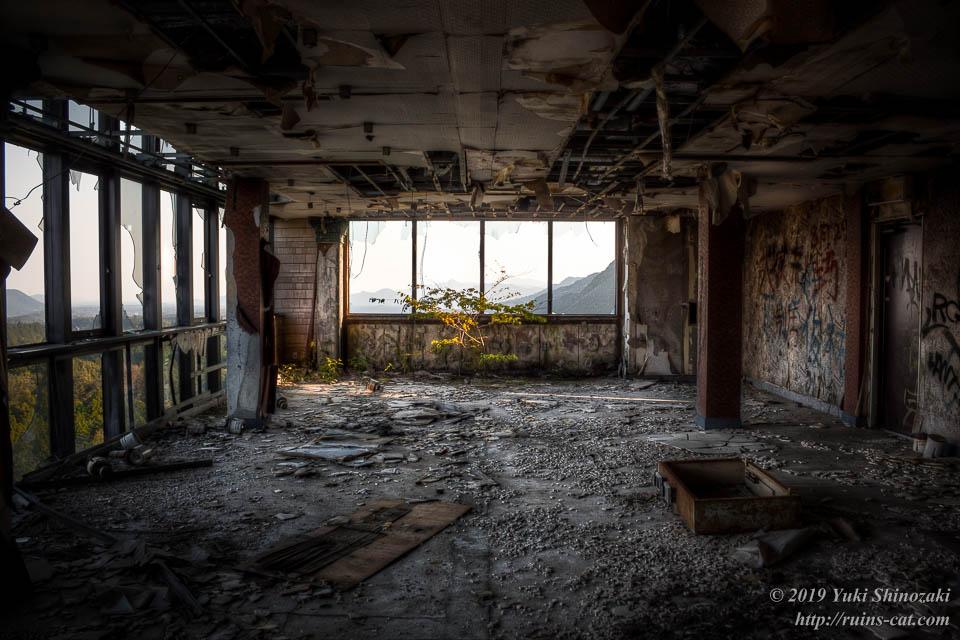 ホテル・ファミテック(廃墟) 展望レストラン内部