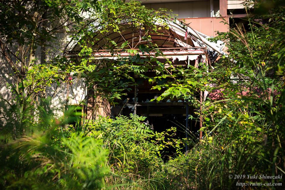 ホテル・ファミテック(廃墟) 正面入口