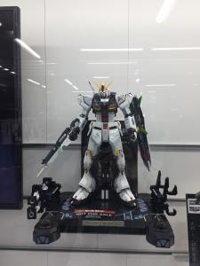 ヨドバシカメラ梅田 20120211 001