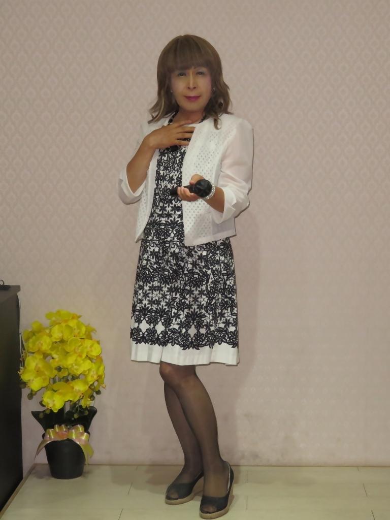 モノトーンワンピカラオケ(4)
