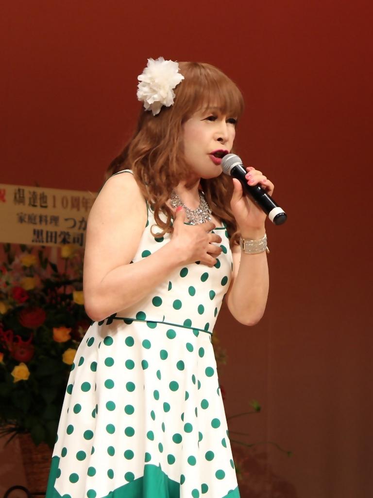 緑ドット柄ドレス舞台(8)