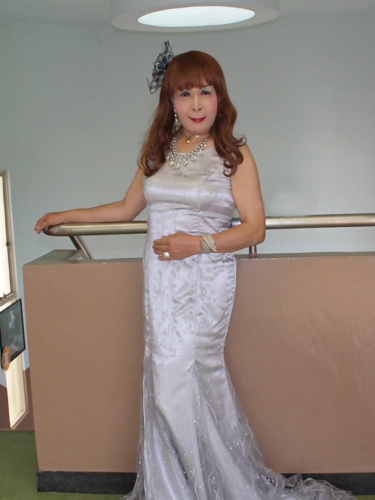 グレーロングドレスロビーA(4)