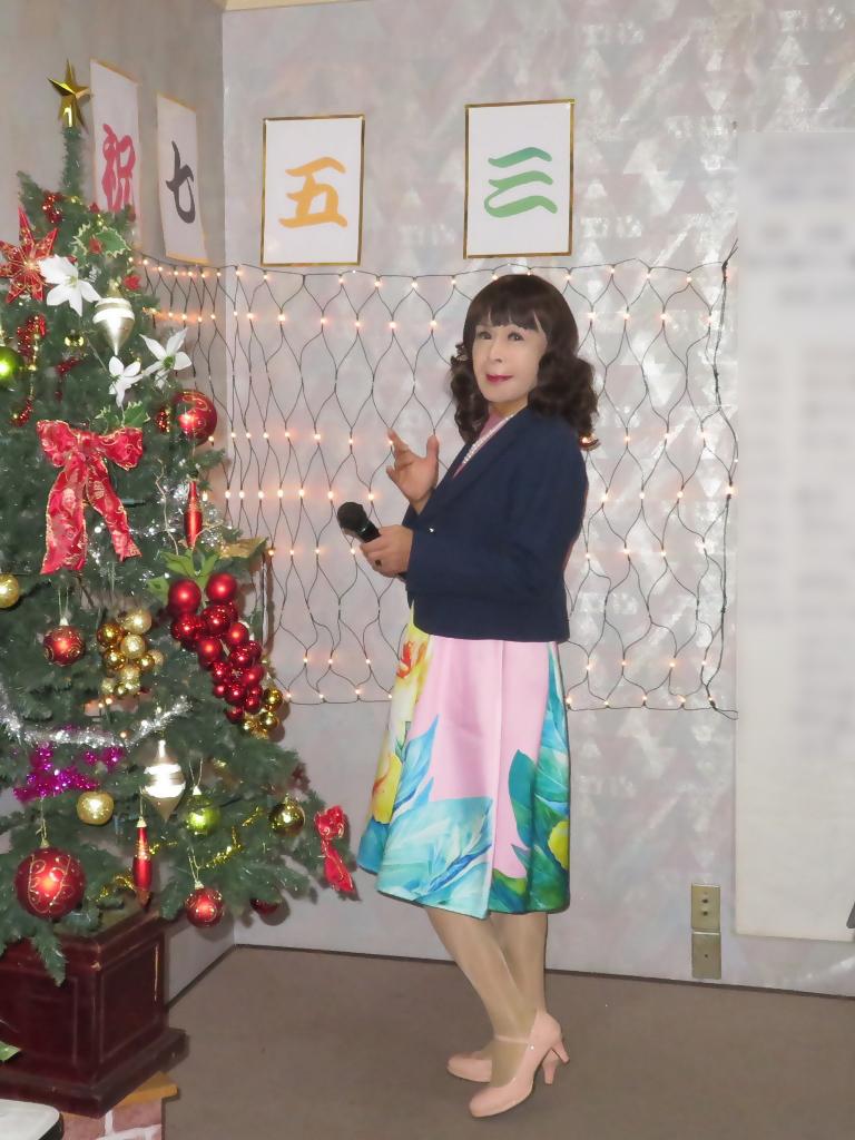 大花柄ピンクワンピ紺ジャケットカラオケA(2)