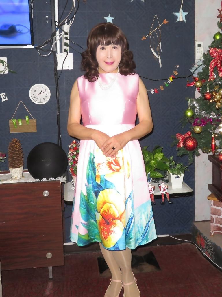 大花柄ピンクワンピ紺ジャケットカラオケB(3)
