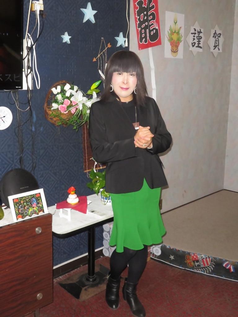緑マーメイドスカート黒ジャケットカラオケ(6)
