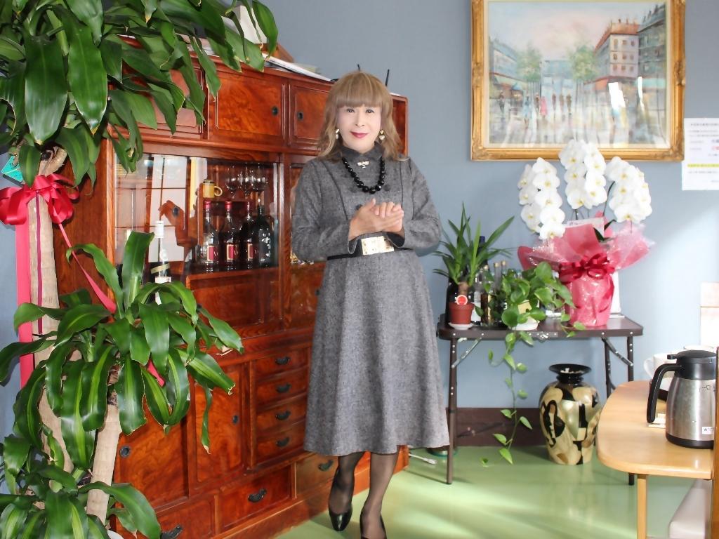 グレーのワンピースラオケ喫茶店(4)