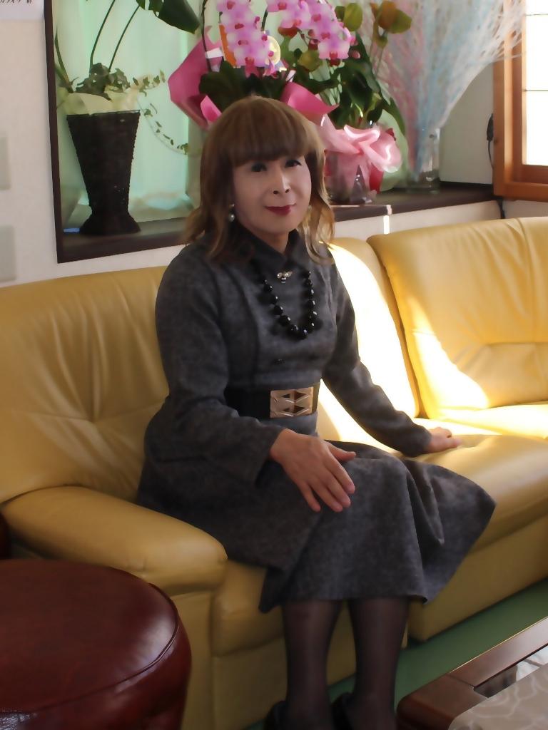 グレーのワンピースラオケ喫茶店(7)