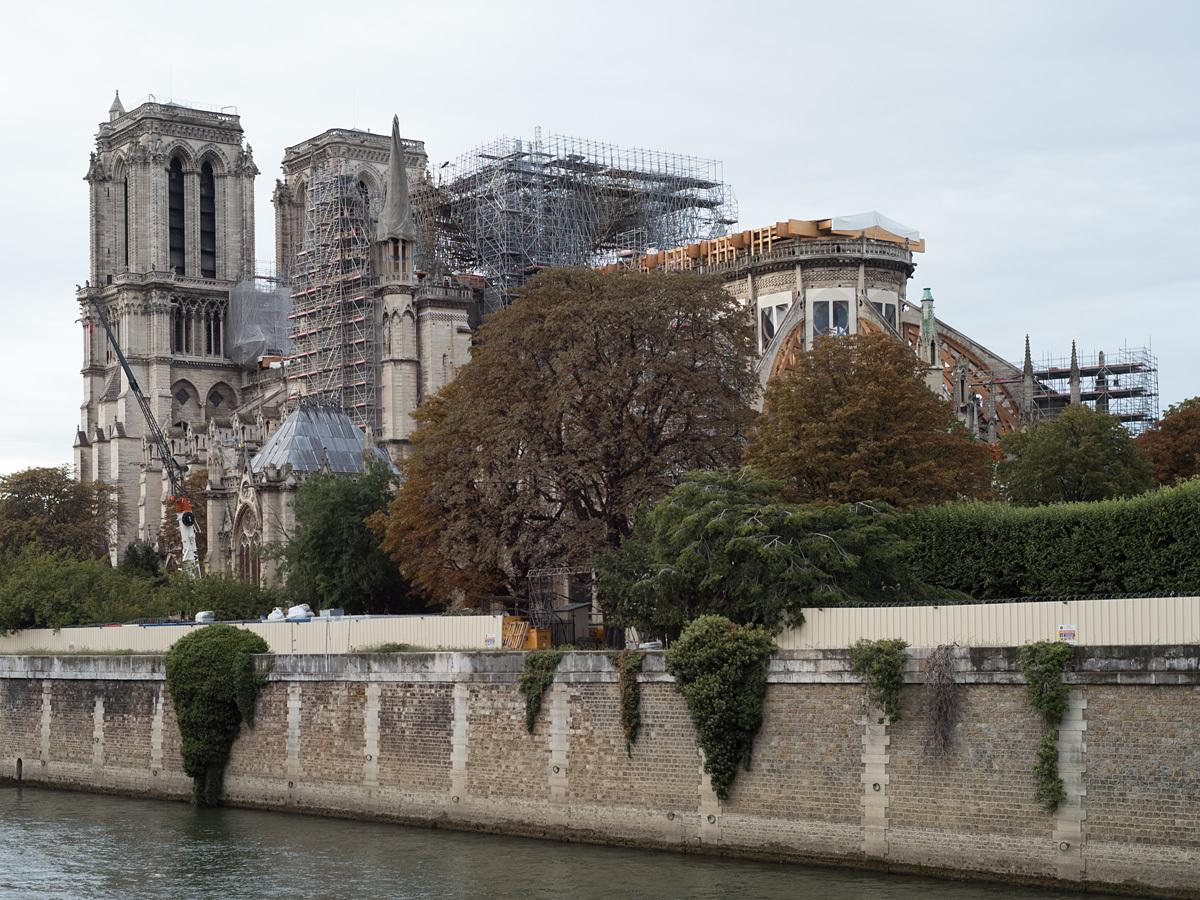 Notre-Dame-LM100996.jpg