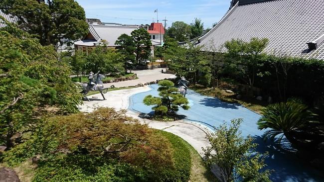 須磨寺境内