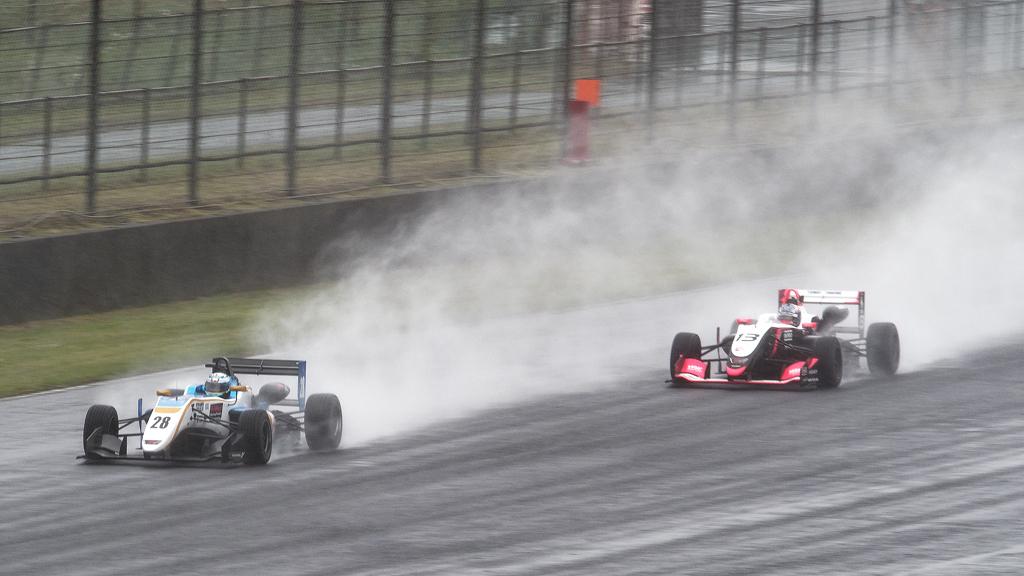 #28 タイロクレーシング28号、#13 ThreeBond F314