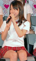 気前よくパンツを見せるのが売りだった。AKB48のパンチラ