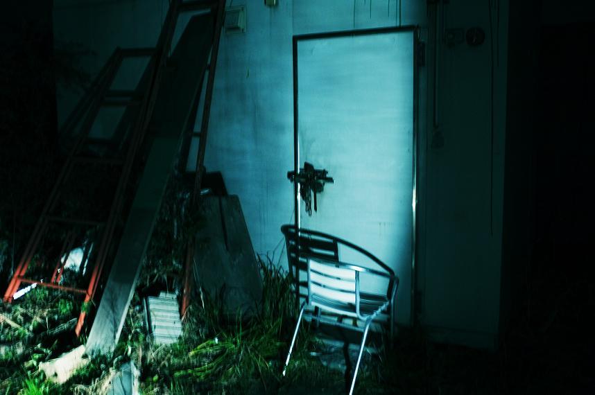 フリー画像・青い倉庫