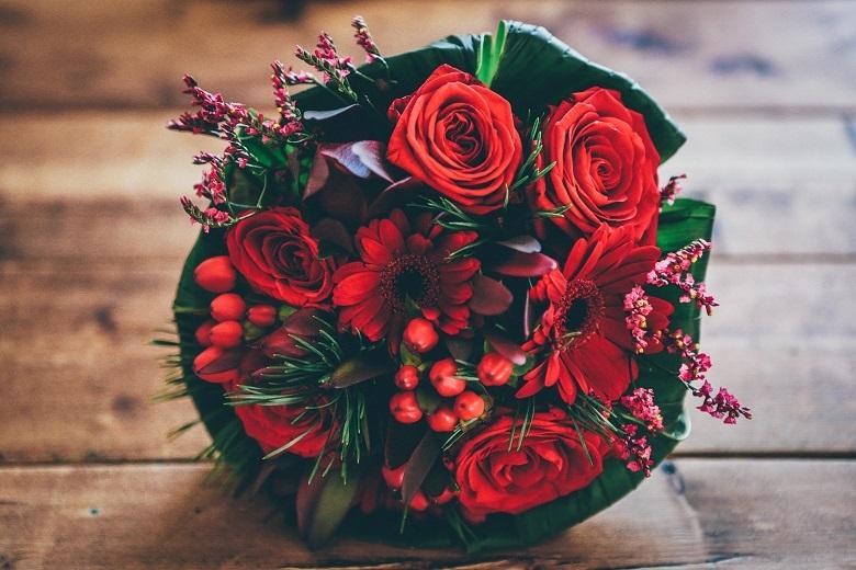 christmas-flowers-780.jpg