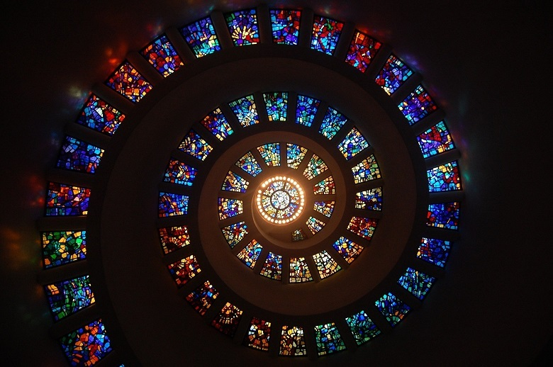 stained-glass-780.jpg