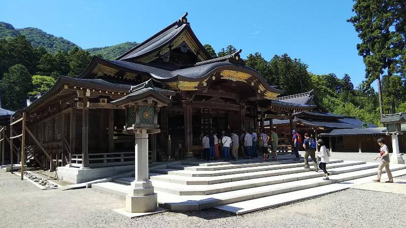 彌彦神社拝殿201907
