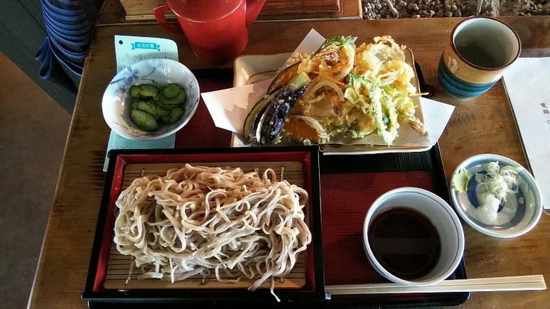 榛名神社たつみ屋門前そば野菜天付1200円