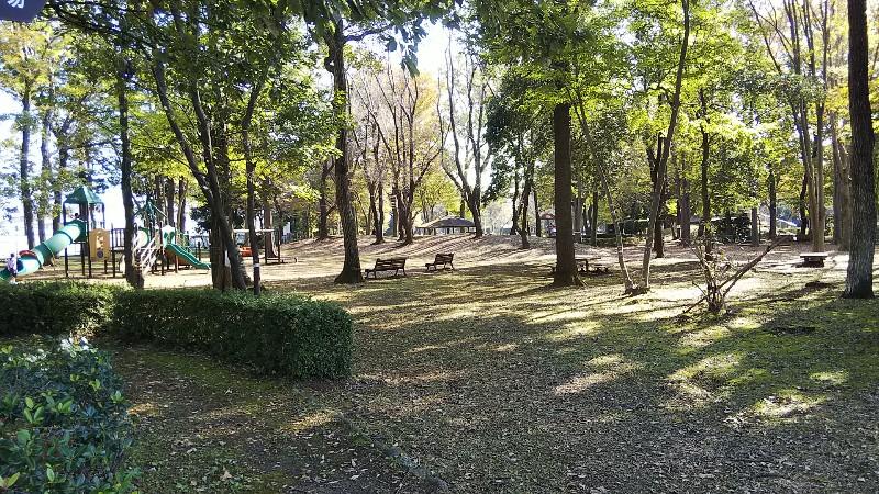 砂沼広域公園遊具やベンチ2019