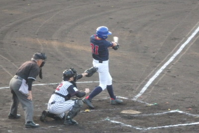 P6295078熊本市教組3回表2死三塁から4番の二飛E(落球)で1点先制