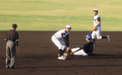 P6295126 熊本市教組4回表1死一塁から二盗