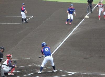 P7105377 体育堂A1回表無死二、三塁から3番の中前打で1点先制