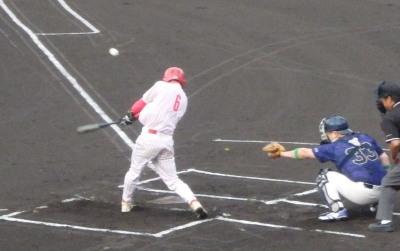 P7125541 大和LPG1回表1死一塁から3番が右翼線三塁打を放ち1点先制