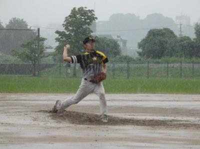 P71357303回裏には土砂降りで桂も投球が辛そう