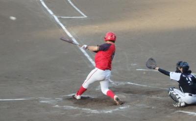 P8051242 続く5番が左中間二塁打を放ち1点追加(7点目)