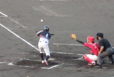 P9102798マイナーズ2回裏無が送りバントで1死二塁にするも後続が三振と産ゴロ死一塁から