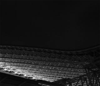 191226_osakaeki_yane_02bw.jpg