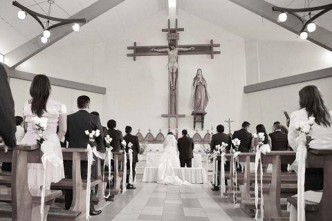 キリスト教徒でないのに6割以上がキリスト教式の結婚式を挙げる日本の