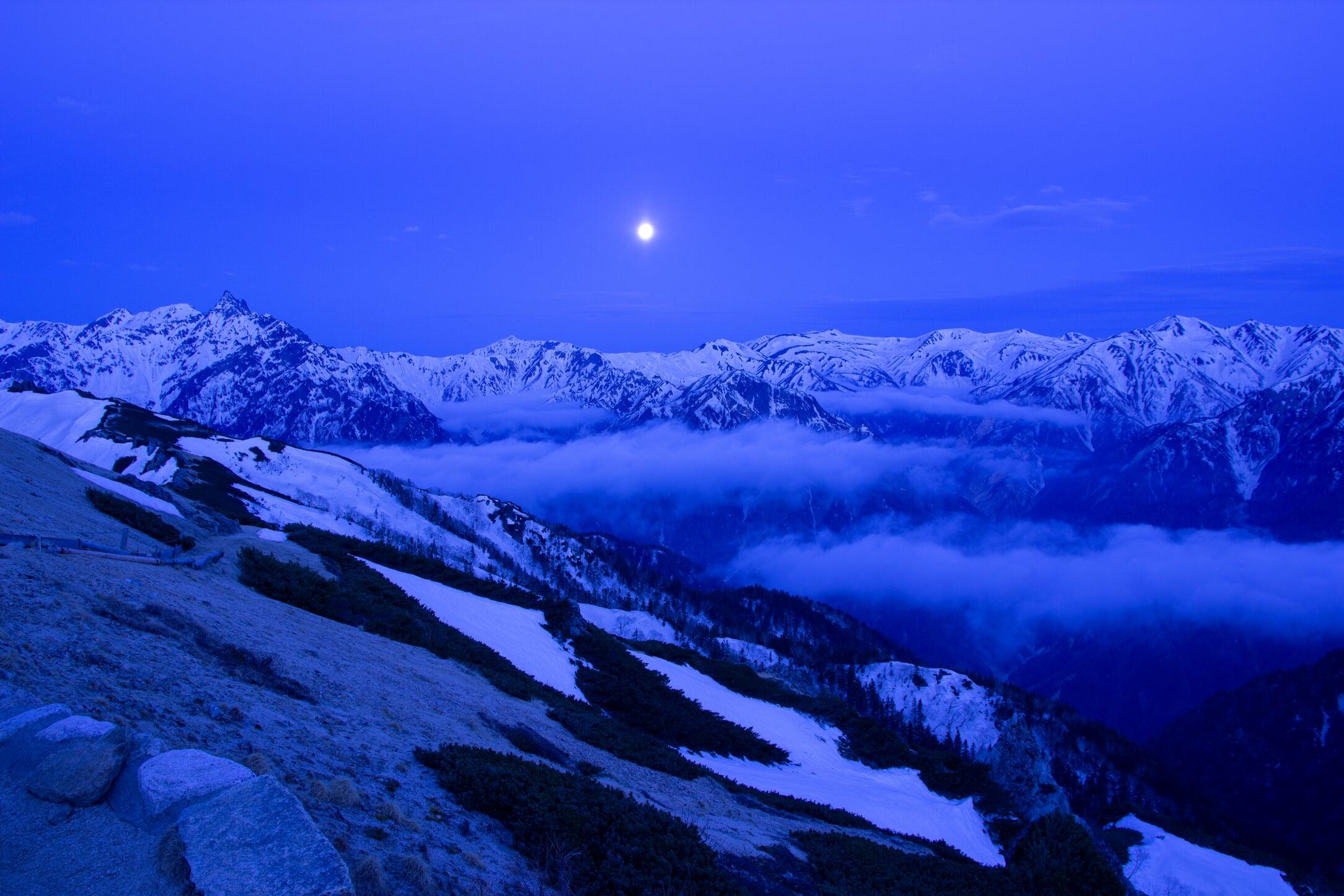 燕岳残雪期11-1