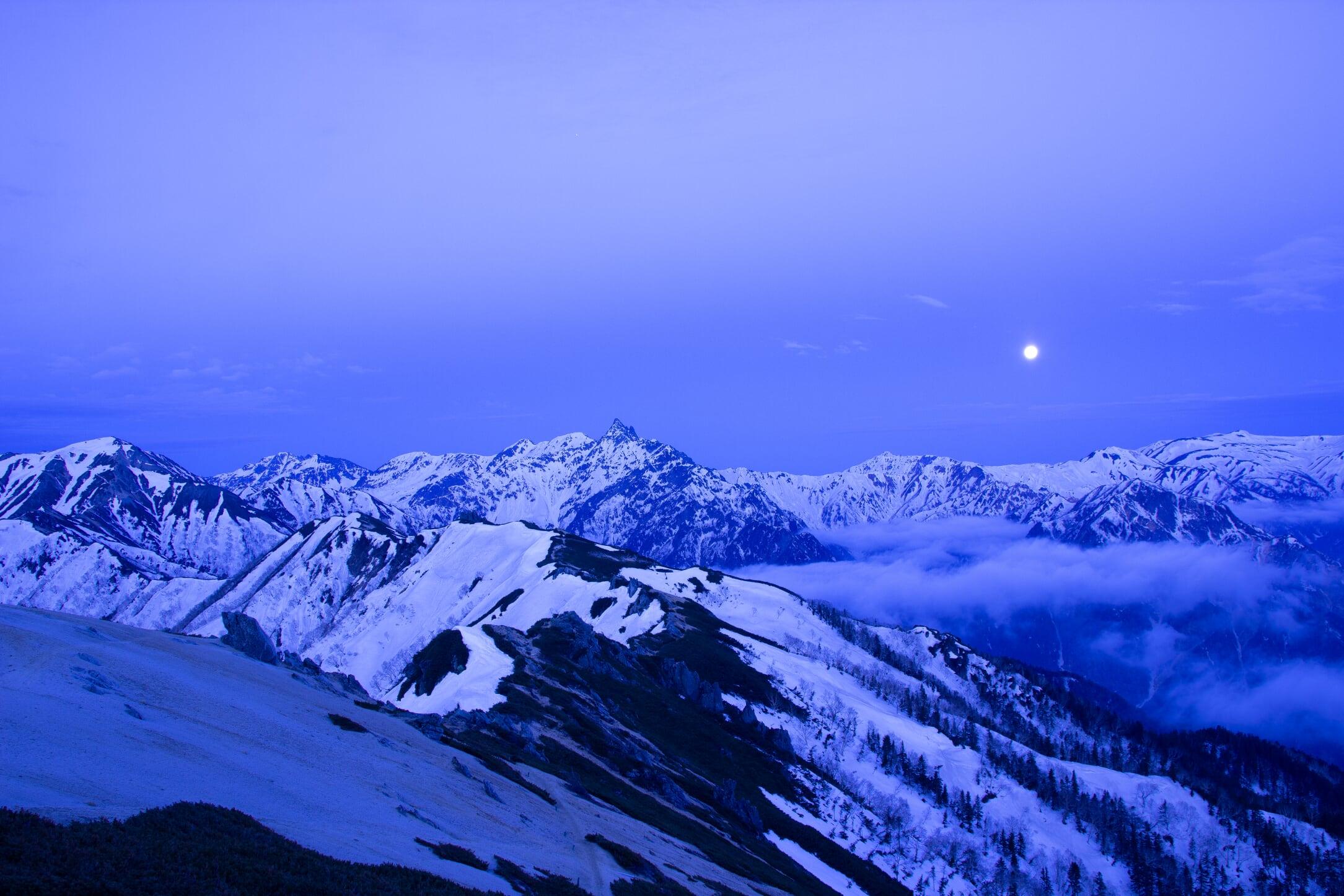 燕岳残雪期11-2