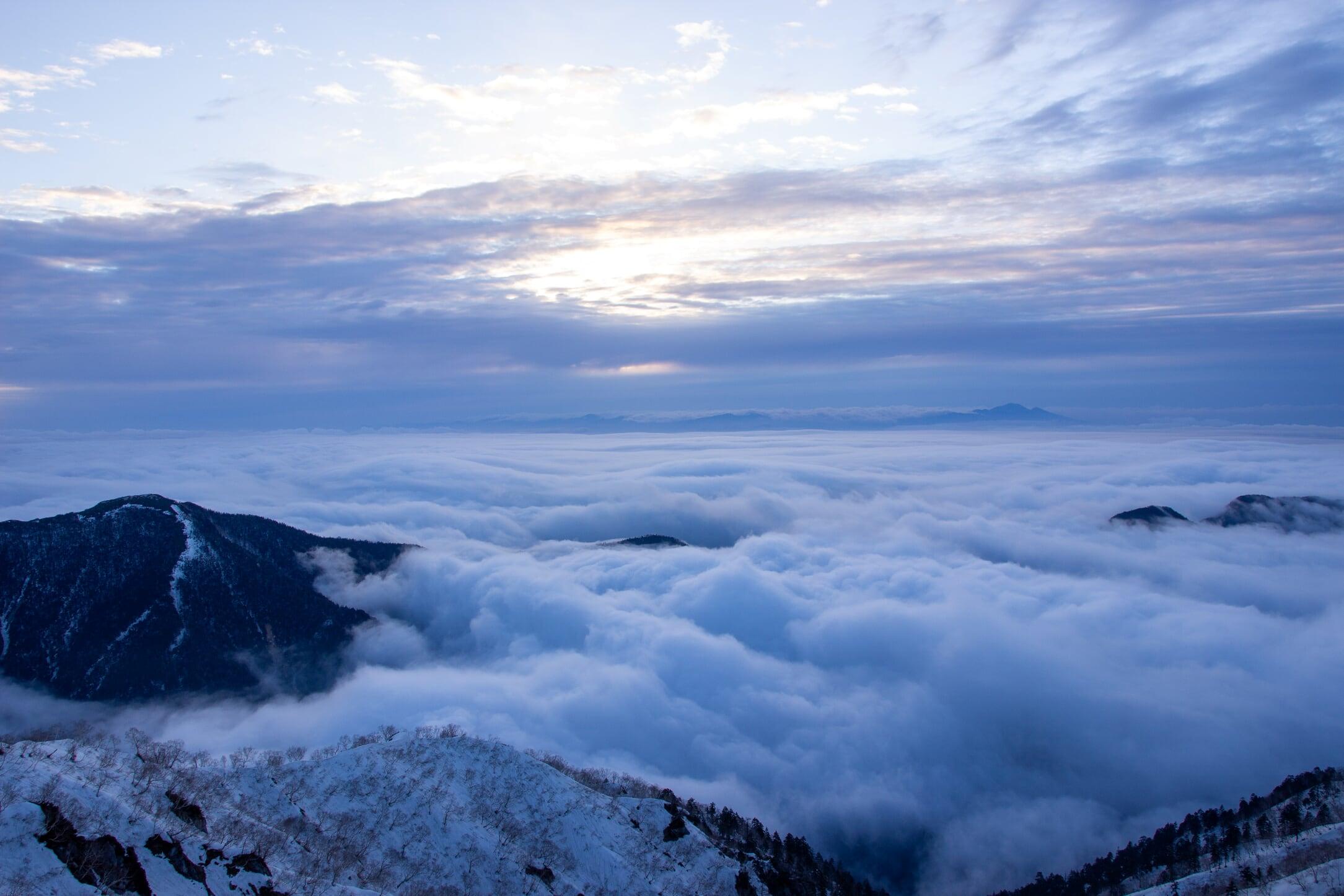 燕岳残雪期11-6