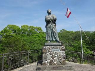 長崎坂本龍馬像