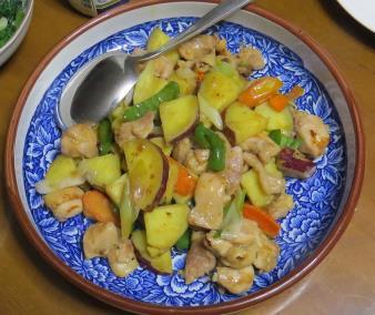 サツマイモと鶏肉炒め