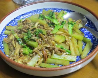 カイランとブタ肉の炒め