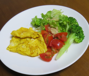ブロッコリー入り野菜サラダ