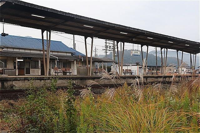 s-⑩高森駅ホーム