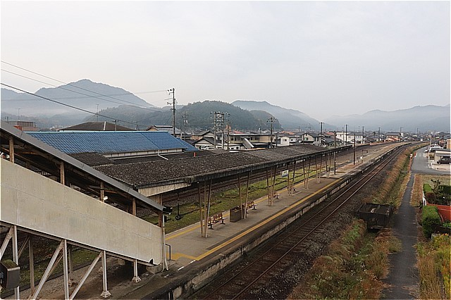 s-⑪高森駅長いホーム