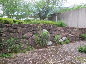 浦戸城/11出丸石垣.jpg