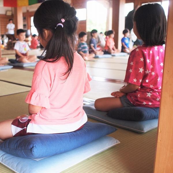 500坐禅体験と小学生来寺1907022