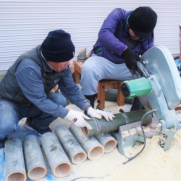 600竹を切る1912281