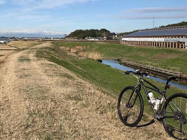 マウンテンバイク河川敷